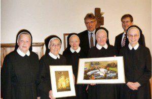 Schwestern der Ursulinen mit den Rektoren der St.-Ursula-Schulen