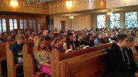 Die Fastenzeit beginnt für die gesamte Schulgemeinde mit einem Gottesdienst.