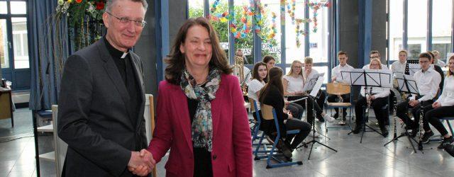 Feierlich wurde Christiane Eickhoff nun auch offiziell die Schulleitung übertragen.