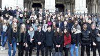 Die 9er-Französisch-Kurse sind zurzeit auf großer Fahrt in die französische Hauptstadt.