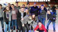 Weit über 100 Schülerinnen und Schüler haben bei der Eislauf-Aktion der SV mitgemacht.